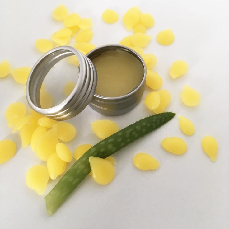"10 gilla-markeringar, 2 kommentarer - Therese Ceder (@cederdesign) på Instagram: ""Beeswax and aloe vera works so good together. My lipbalm are 100% Organic and works very well. I…"""