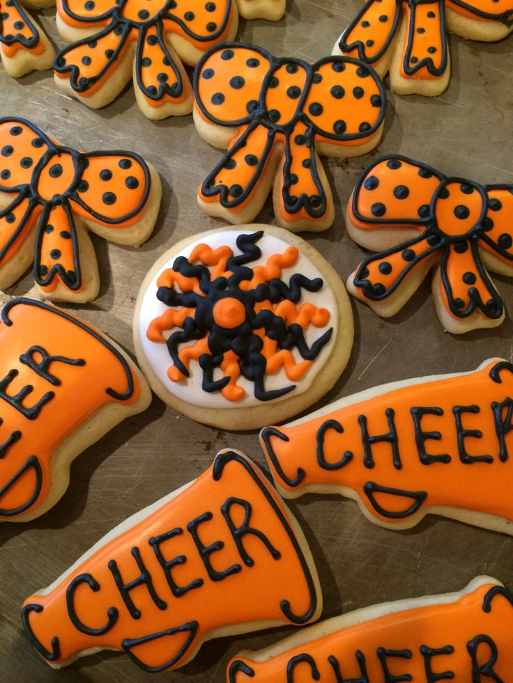 CHEERLEADING Sugar Cookies - 4 Pom poms, 4 bows, 4 megaphones by SweetiePiConfections on Etsy