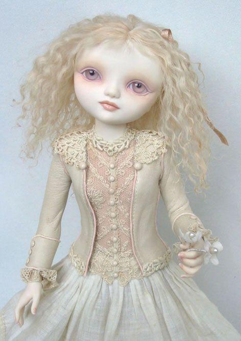 Lucy - muñeca original de la Anecdotario Salvador