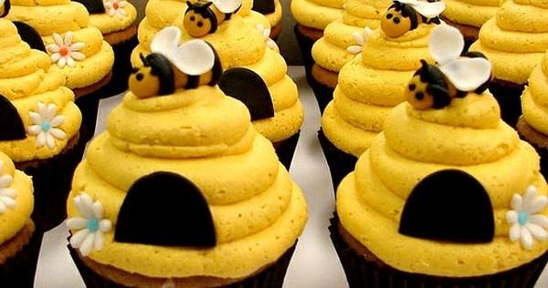 De 18 schattigste manieren om je volgende dozijn cupcakes te versieren