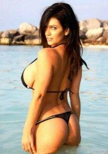 Denise Milani 03