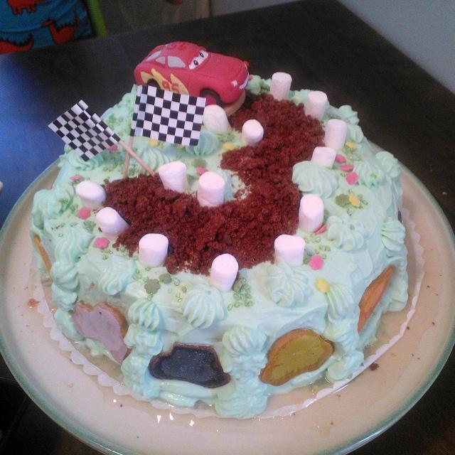 3-vuotissynttärit by Sukkasilla, via Flickr (Cars birthday cake, synttärikakku)
