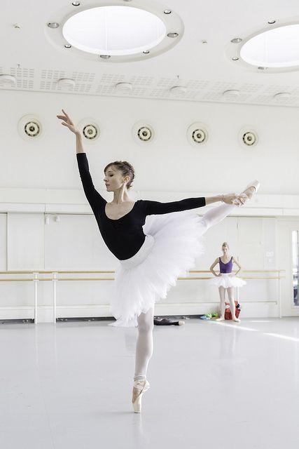 Melissa Hamilton in rehearsals for Don Quixote / Photo © ROH / Johan Persson 2013