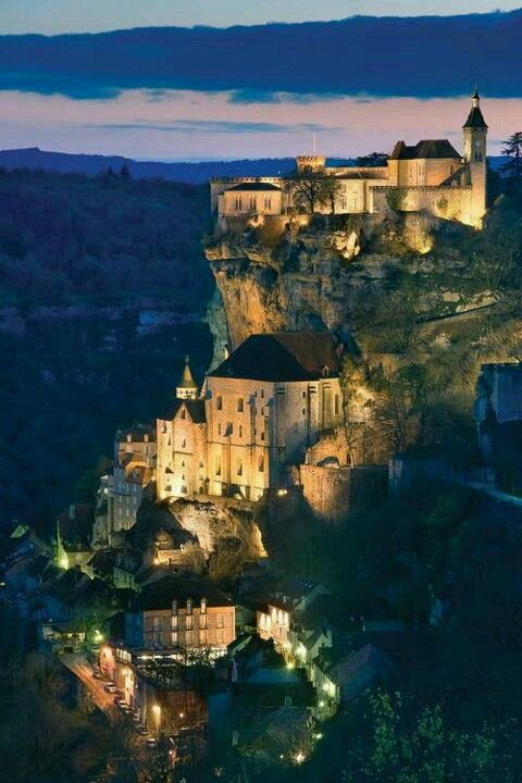 Rocamadour, France —  http://travideos.es/france/paris/top-videos/rocamadour_viajes_a_francia_muchoviaje_com/NzoybYz34YQ
