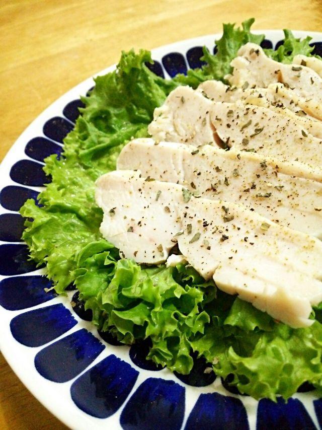 サラダチキンを自宅で作ろう!再現レシピ&アレンジまとめ☆ - macaroni
