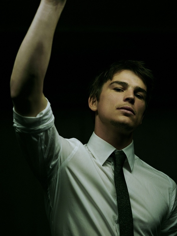 "Josh Harnett- since he is my ""one cheat"" I feel its only right to put him on my ""to do"" list. hehe"