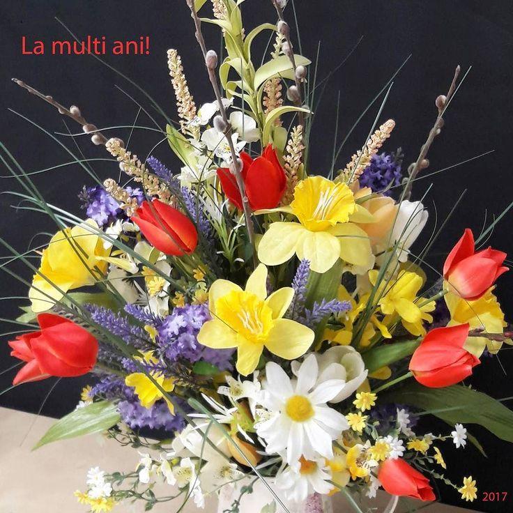 De #Florii #lamultiani tuturor care poarta nume de #flori !  #lalele #narcise #liliac #forsythia #margarete #matisori #floriartificiale #plante #uscate #planteuscate #floriuscate #decoratiuni #naturale #primavara  o #saptamana pana la #Sfintelepasti #Paste #Pasti #cadou #unicat #iepuras #infrumusetare #casa #birou #flowerstagram  #reduceri pe www.beatrixart.ro
