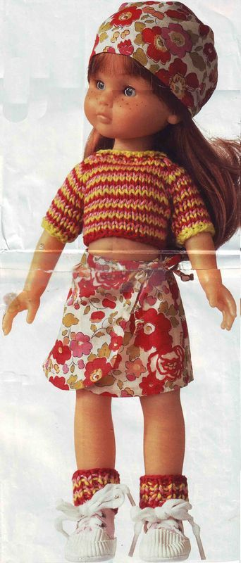 Free pattern from Marie Claire, in French. Lots of links to these sweet little dolls over the past 10 years. For Les Chéries dolls by Corolle.
