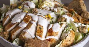 Light ceaser salad από τον Άκη Πετρετζίκη. Η πιο εύκολη, νόστιμη και υγιεινή σαλάτα του καίσαρα που έχετε δοκιμάσει ποτέ! Η τέλεια σαλάτα για το γεύμα σας!!