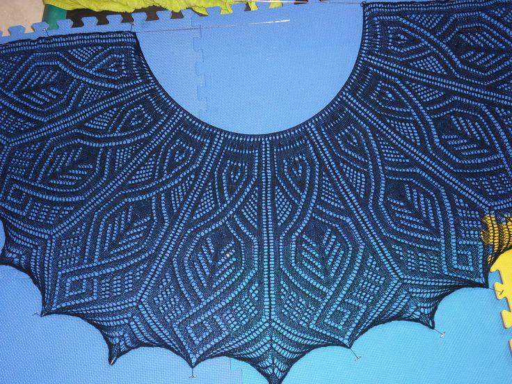 Ravelry: I want it now Shawl pattern by Yulia Vysochina