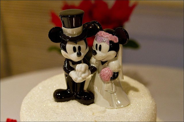 Mickey And Minnie Mouse Wedding Theme