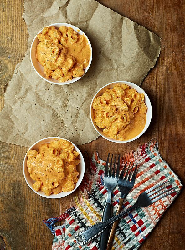 Roasted Red Pepper Mac & Cheese  by Isa Chandra Moskowitz #vegan #cheese