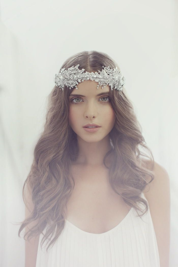 Elizabeth - Viktoria Novak 2014 Collection. www.theweddingnotebook.com