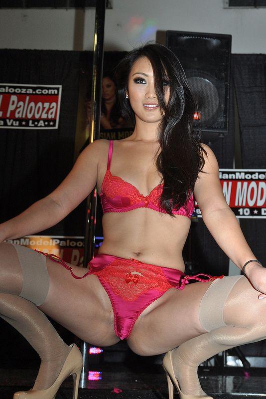 Star evelyn anal porn lin