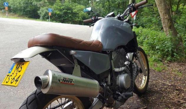 www.marktplaats.nl/motoren/honda-transalp-xl600v-tracker-caferacer-scrambler      Origineel: Honda XLV600V   ...