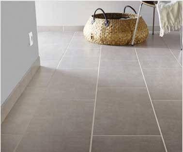 Carrelage murs et sol salle de bain en Grès cérame émaillé teinté gris perle effet béton Area l.30.8 x L.61.5 cm. Prix 17.95 € / m². Leroy Merlin