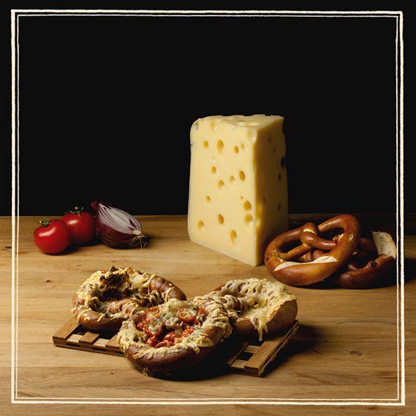 Πρωινή λιγούρα για ένα γρήγορο και χορταστικό σνακ; Περάστε από τα Paul για απολαυστικά bretzel σε 2 συνδυασμούς γεύσεων: ζαμπόν, έμμενταλ και chips κρεμμυδιού ή έμμενταλ και ντοματίνια!
