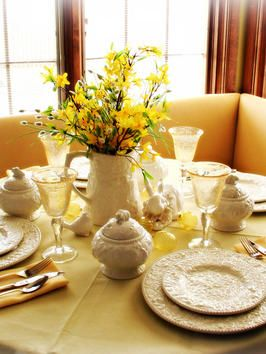 Everyday Dining Room Centerpieces