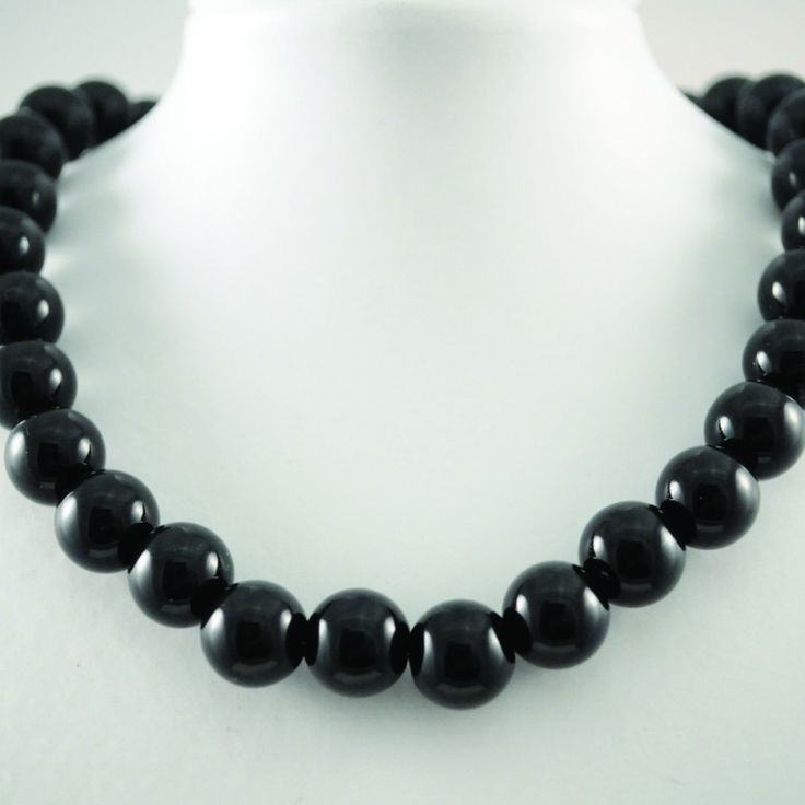 Black Bead Necklace on Velvet Rose's Pin Up Dressing Room - The vintage shop tailored to you #Vintageinspiredjewellery  #ChristmasPresent Free Postage within Australia
