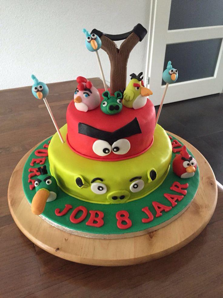 Angry Birds 4 juni 2016, gevuld met aardbeien bavarois en aardbeienjam