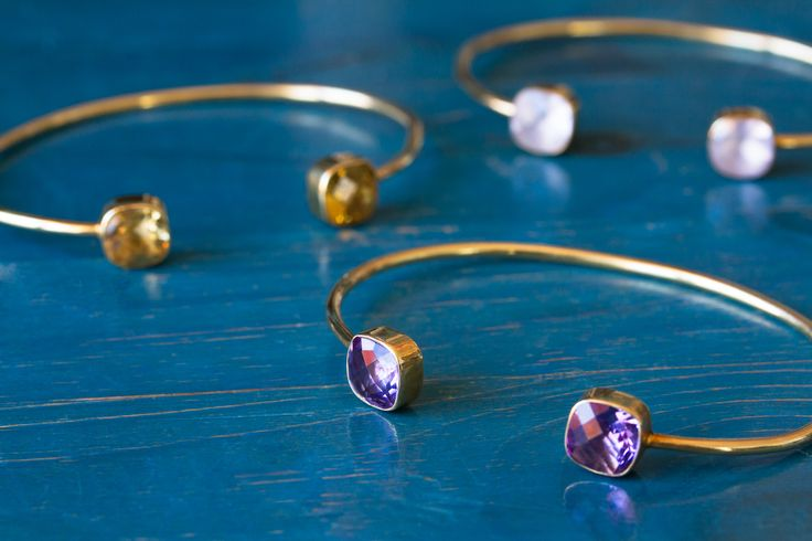 Cahana is about welcoming warm and positive energy in your life.  Cahana Jewelry is designed to hold your affirmation, but also to support your wishes with precious and beautiful tokens and crystals, each carrying a special value and force.