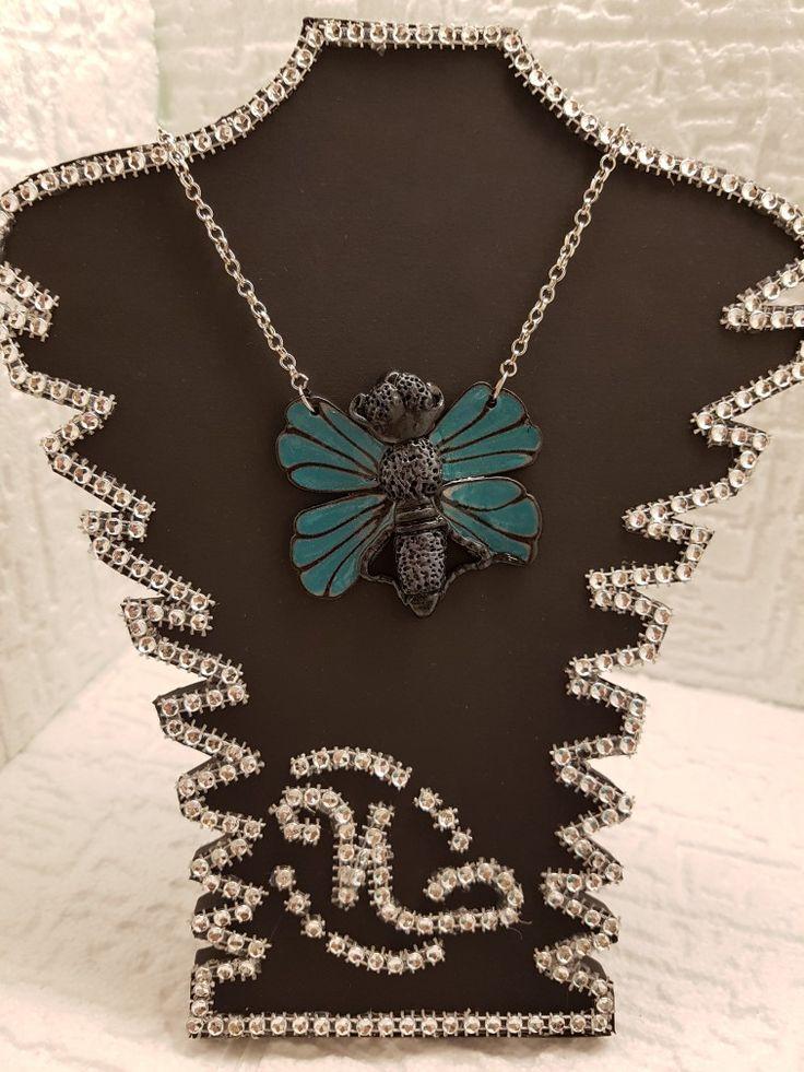 Kette mit Schmetterling Anhänger aus Polymerclay. Quelle Facebook: Glamour by Natascha Neugebauer@ichtrageneugebauer