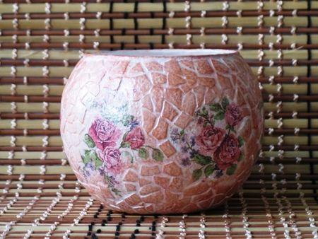 Роскошный подарок на 8 Марта, декупаж стеклянной вазы с мозаикой из яичной скорлупы. Мастер-класс с фото.