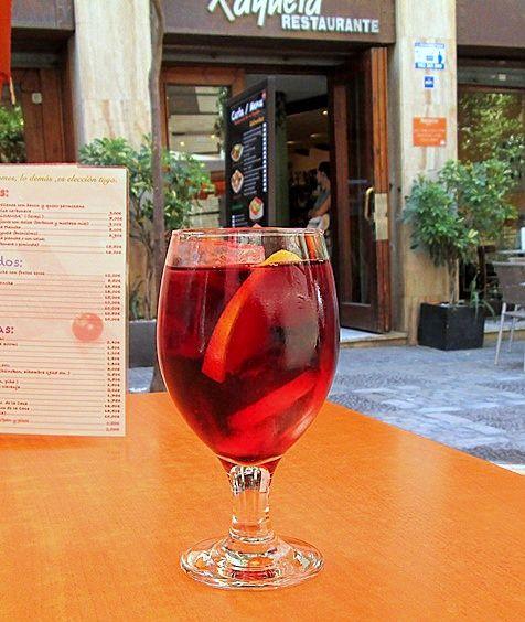 Caietul cu retete vechi si noi: Cate ceva despre vinuri - azi, sangria