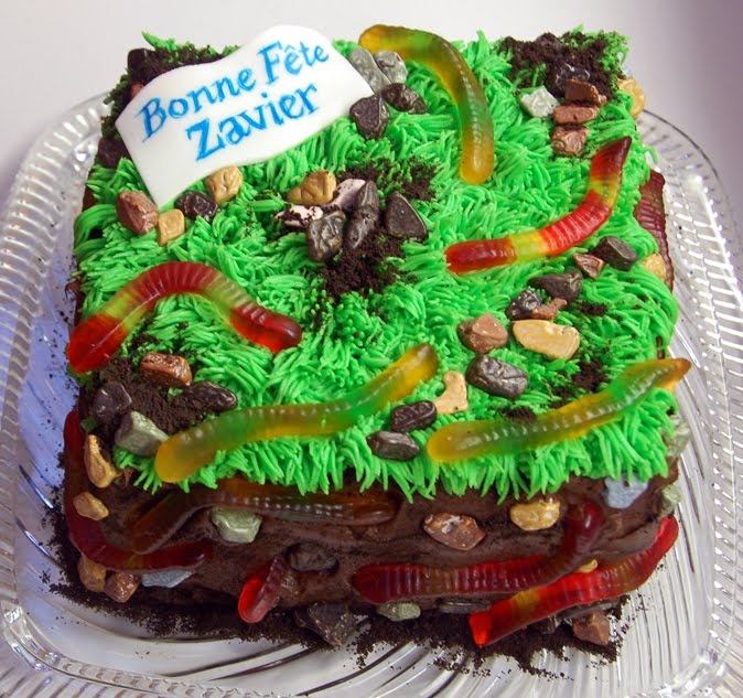 Worms and turf cake