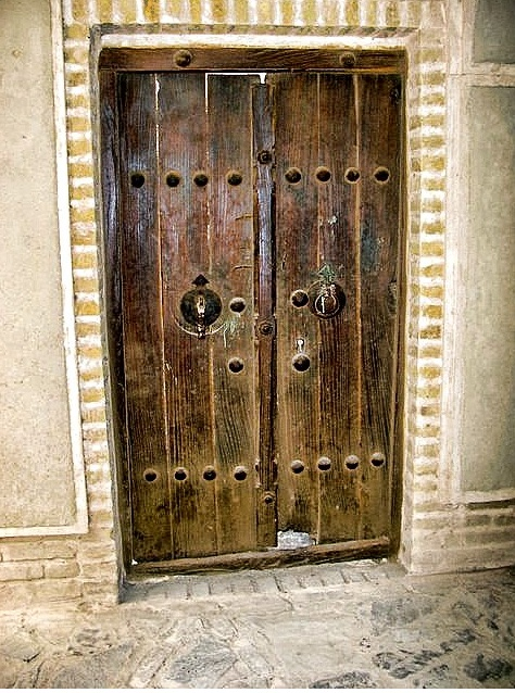 Persian doors are doors to a new world of aesthetic experience. Each door in its minimalist design represents a unique personality. & 20 best Persian traditional houses images on Pinterest | Persian ... pezcame.com
