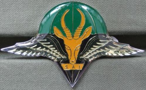 South Africa 1st Parachute Battalion Officers Beret Badge the badge is in near mint condition. This badge is long absolete