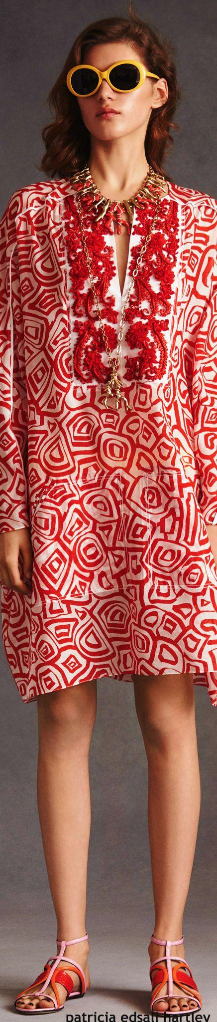Love oscar de la renta's work, this dress is especially unique, a real work of art.