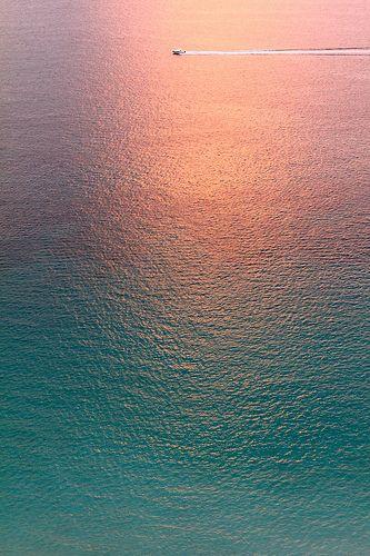 Un amanecer frente al mar...