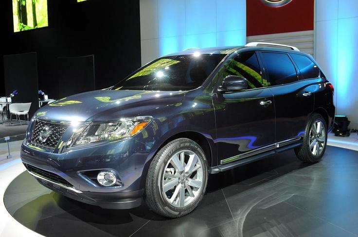 Полноценный кроссовер 2013 Nissan Pathfinder
