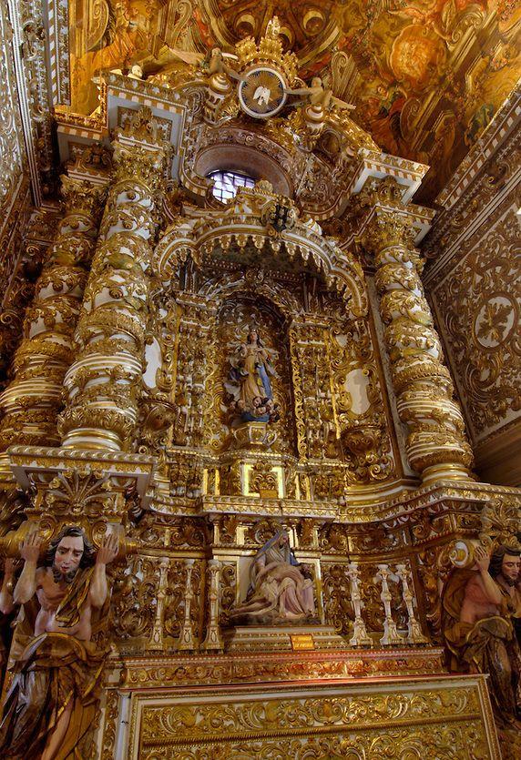 Baroque architecture inside Church of São Francisco - Salvador, Brazil.Imagem indiscutível ,linda!!!!