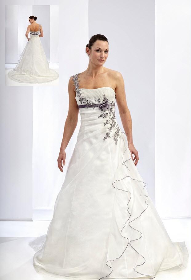 Ladybird trouwjurk #bruidsjapon  #weddingdress
