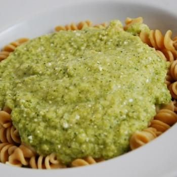 Broccoli Feta Pasta Sauce: 16oz package of broccoli florets, 1 cup fat free feta cheese, 2 Tbsp light butter, 1 small onion, finely chopped, 3 garlic cloves, minced, 1 Tbsp olive oil, 1/3 cup water, juice of 1 lemon, salt and pepper to taste