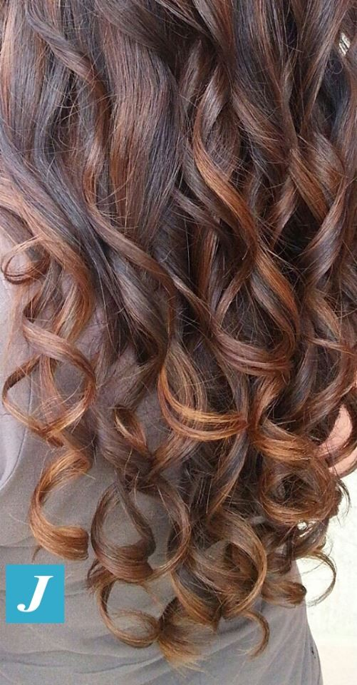 Vuoi i capelli lunghi e sani? Abbandona scelte drastiche (decapaggio, classica…