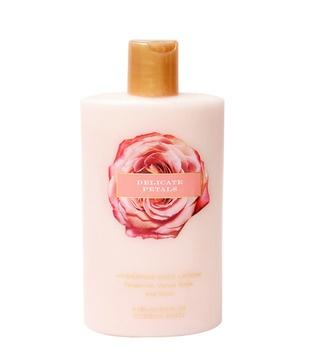 Victoria Secret Delicate Petals Body Lotion     http://www.snapdeal.com/product/victoria-secret-delicate-petals-body/202652?utm_source=Fbpost_campaign=Delhi_content=135768_medium=130812_term=Prod