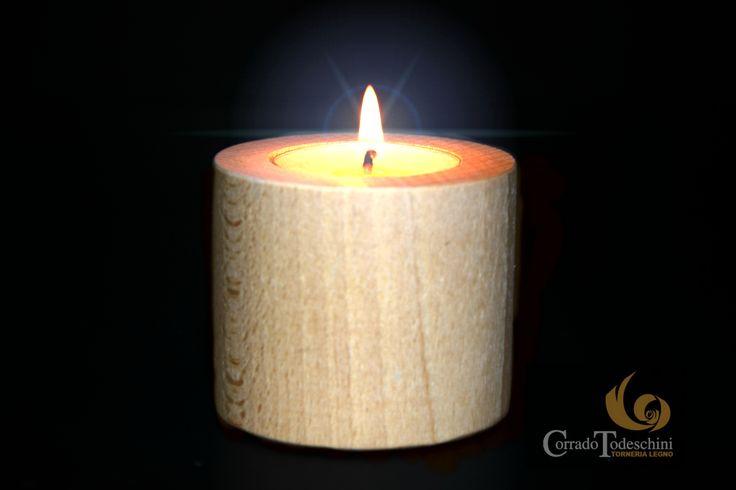 Porta candela in legno. Idee regalo by torneria legno corrado todeschini, minuteria legno dalm1930. #portacandele #ideeregalo #legno #cera #cereria #natale2014 #candeleprofumate