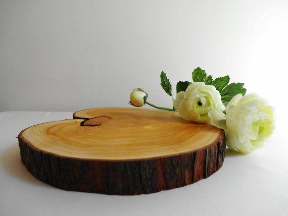 Cake Stand Centerpiece Wood Slice Tree Trunk by DaliasWoodland, €17.00