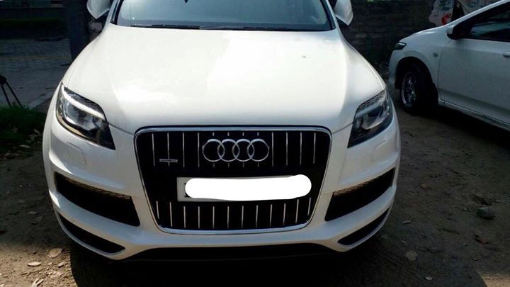 """Audi Q7 Dec. 2009 Pb10-VIP number 3.0 TDI White with LED  pack and Technology pack S line package like 20"""" Alloys with new tyres Panaromic Sunroof, Paddle shift, BOSE music system #cars #toronto #carloans #canada"""