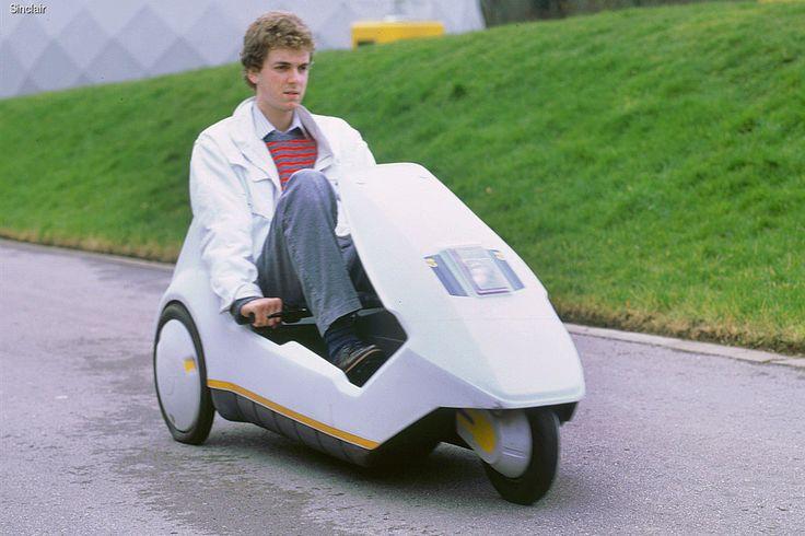В британском Национальном автомобильном музее в Болье решили отметить 30-летний юбилей электромобиля Sinclair C5 – одного из самых необычных транспортных средств, когда-либо выпущенных в Великобритании.