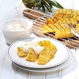 Karamellisierte Ananas und Rum-Ricotta Creme