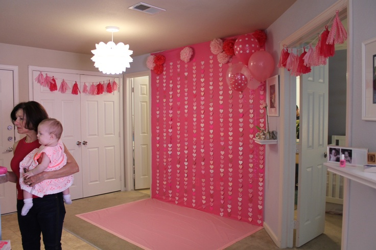 1000 ideas about cake smash backdrop on pinterest cake for Baby shower stage decoration