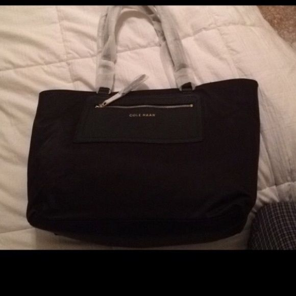 PRICE NEGOTIABLE NWT Cole Haan Purse Beautiful brand new with tags cole haan purse ! Coke Haan, but labeled Michael khors for views Michael Kors Bags Hobos
