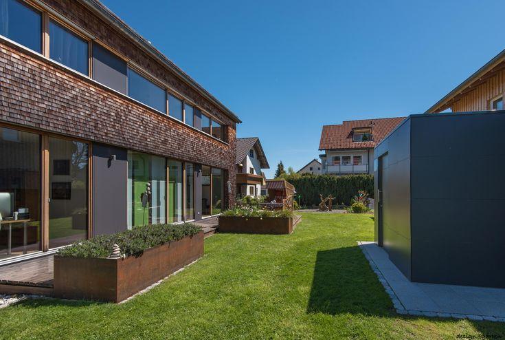 Designer Gartenhaus @_gart in Wangen by design@garten - Augsburg, Germany  UV-beständig - niemals streichen!  Farbe: Anthrazit #Gartenhaus #Gerätehaus #HPL #design@garten