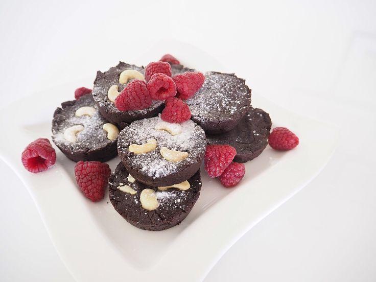 Näiden suklaisten herkkujen mehevyyden salaisuus piilee raaka-aineessa, joka yllättää varmasti kaikki!