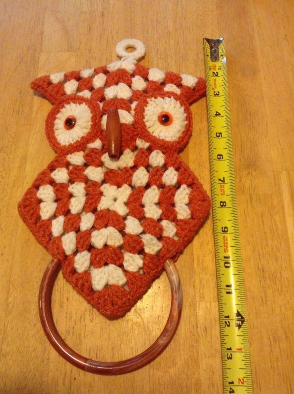 Vtg Handmade Crochet Kitchen Bathroom OWL Towel Holder