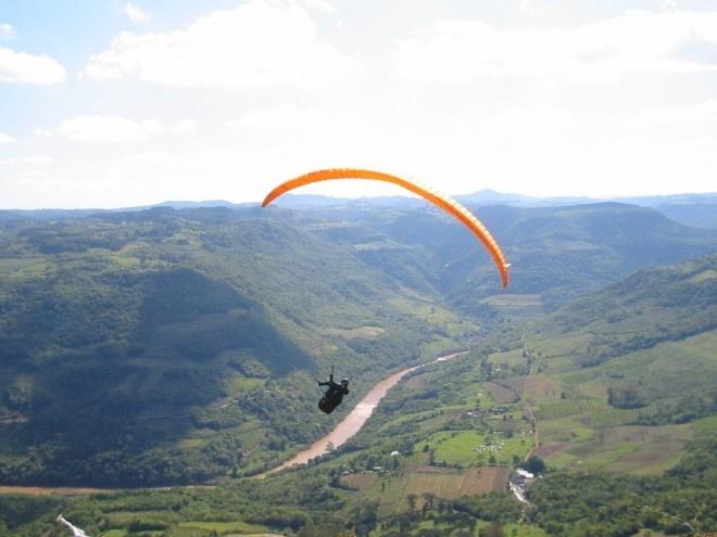 Paraglider em Cotiporã/RS.